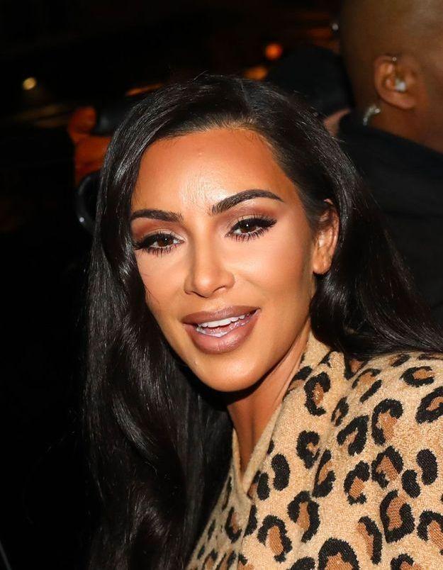 Quand Kim Kardashian adopte un look mythique de Carrie Bradshaw