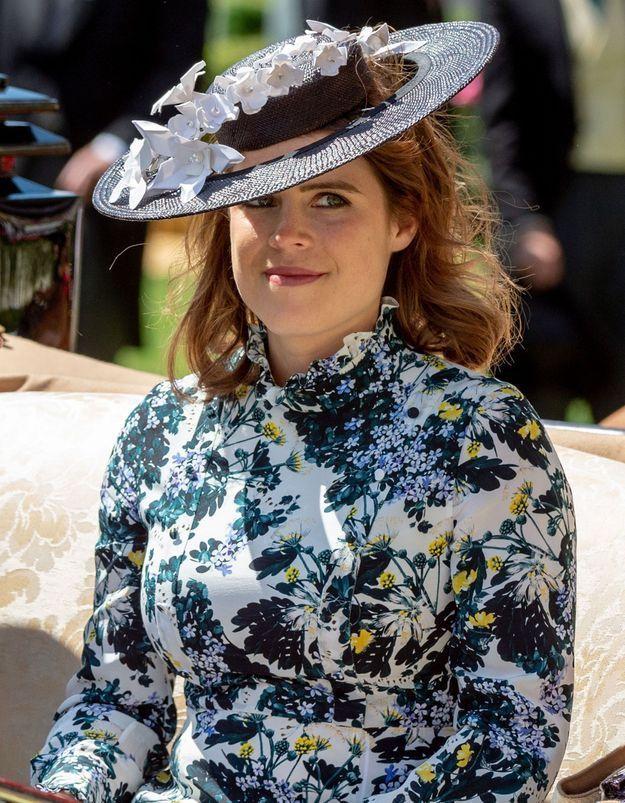 Quel créateur à dessiné la robe de mariée de la Princesse Eugénie  ?