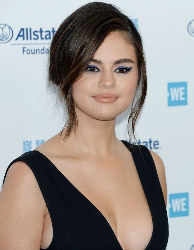Selena Gomez craque pour une robe Zara à moins de 50€