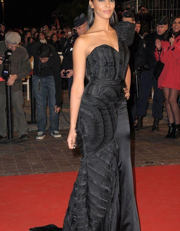 Robe noire couture aux NRJ Music Awards 2011