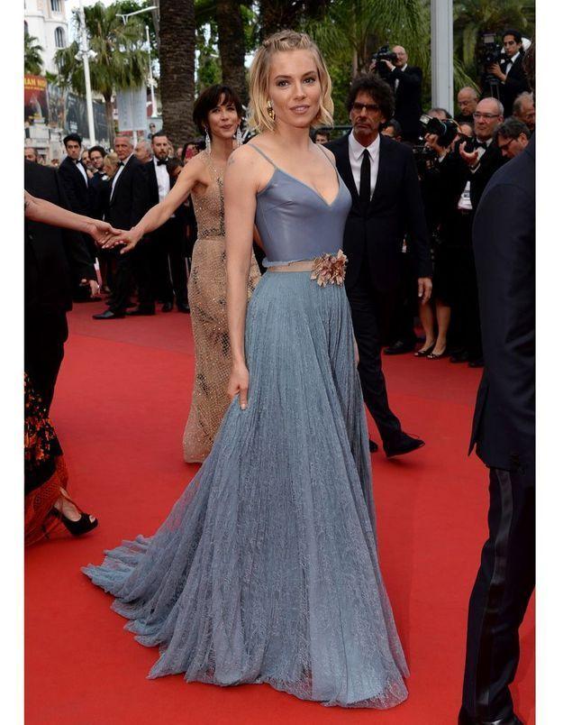 Le Festival de Cannes fashion de Sienna Miller, cérémonie de clôture