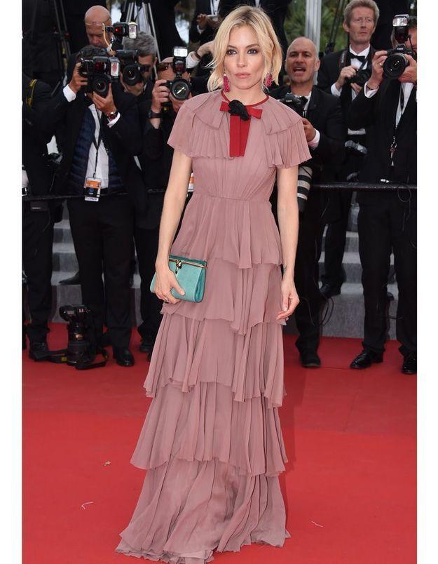 Le Festival de Cannes fashion de Sienna Miller, en Gucci