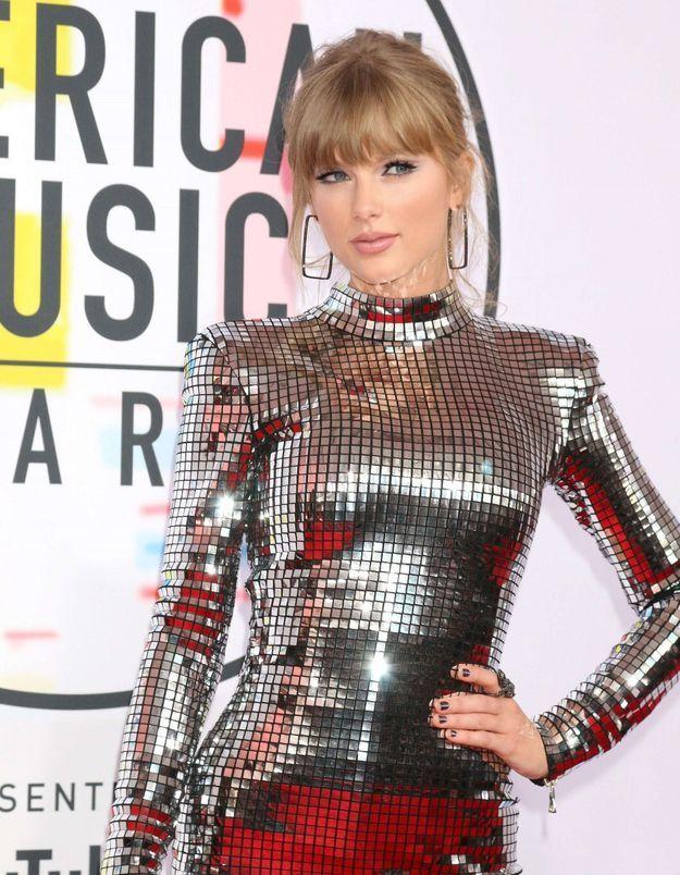 Taylor Swift et son look d'hiver idéal, en promenade avec son chéri
