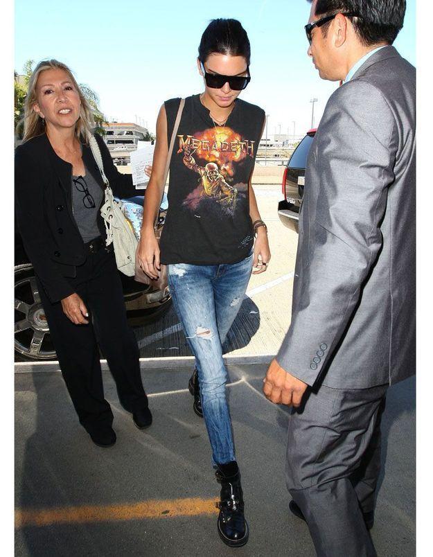 Le look trash métal de Kendall Jenner
