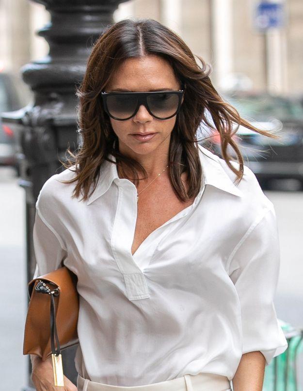 Victoria Beckham fait renaître ses looks iconiques de Spice Girl