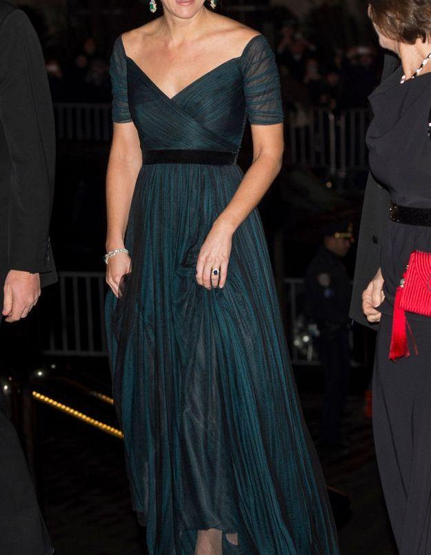 Kate Middleton et sa robe verte vaporeuse en décembre 2014, à l'occasion du diner donné au Metropolitan Museum of Art  à New York.