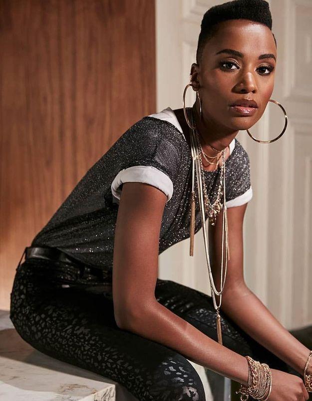 Zozibini Tunzi, Miss Univers, porte le parfait smoking pour le nouvel an