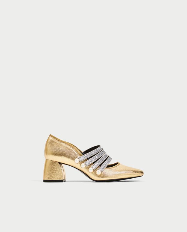 Chaussures à petits talons dorés Zara