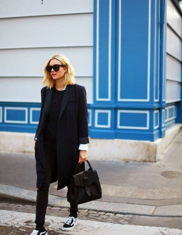 Avec un total look black