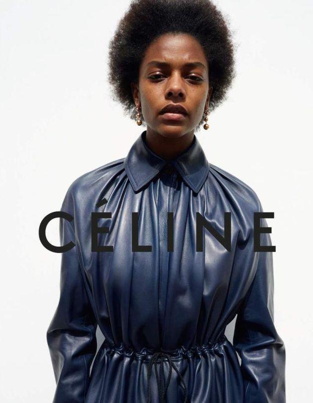 6 choses à savoir sur Karly Loyce, la nouvelle égérie Céline
