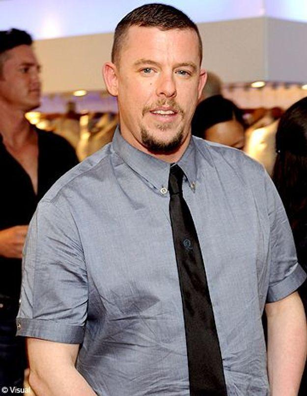 """Alexander McQueen : la disparition du """"sale gosse"""" de la mode"""
