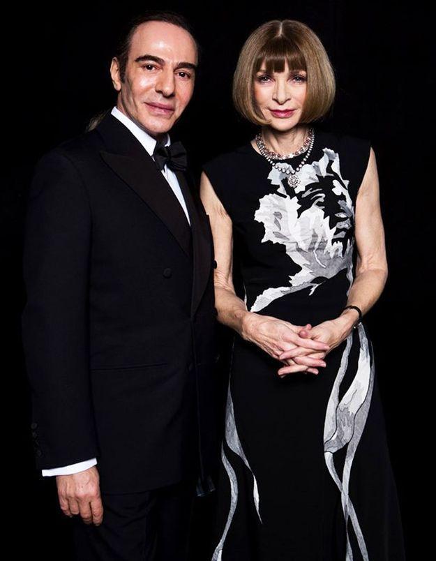 British Fashion Awards : un John Galliano très ému récompense Anna Wintour