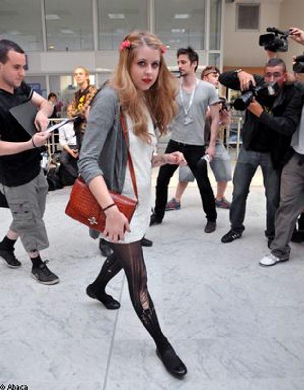 """Cannes : La leçon de """"Brit"""" style de Peaches Geldof sur la Croisette"""