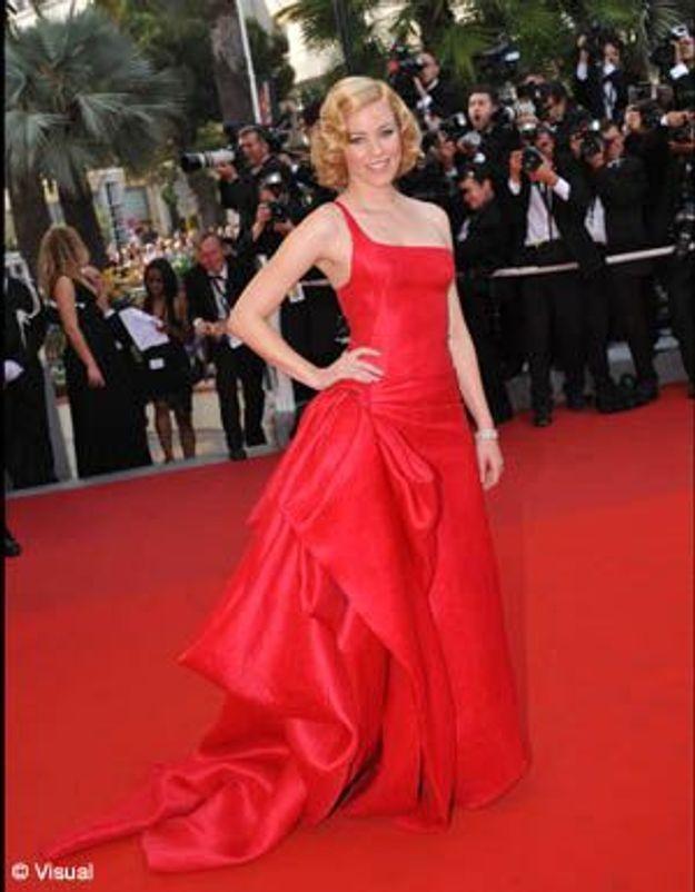 Elizabeth Banks : un petit Chaperon rouge à Cannes !
