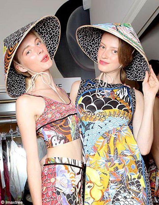 Le chapeau conique, l'accessoire qui fait polémique