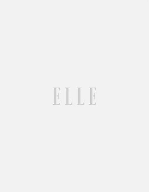Le making of de la couverture de ELLE avec Inès de La Fressange