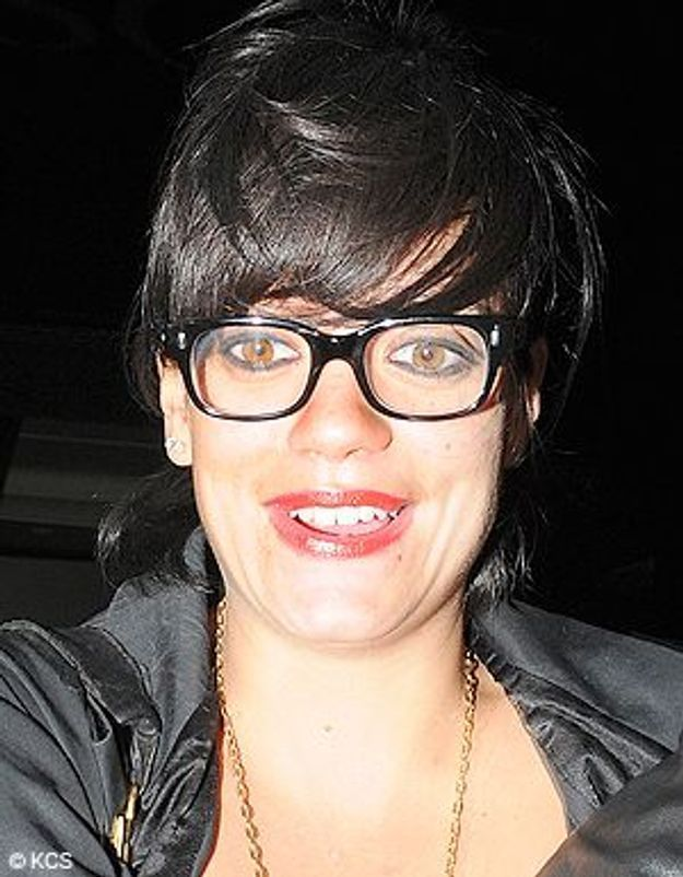 Lily Allen avec des lunettes : elle a fait mieux !