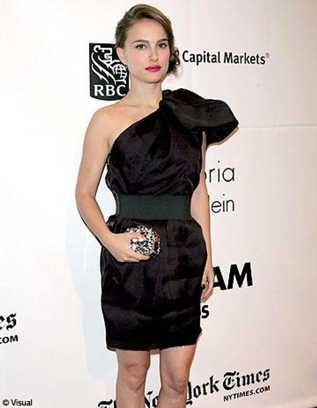 Natalie Portman porte une robe Lanvin pour H&M