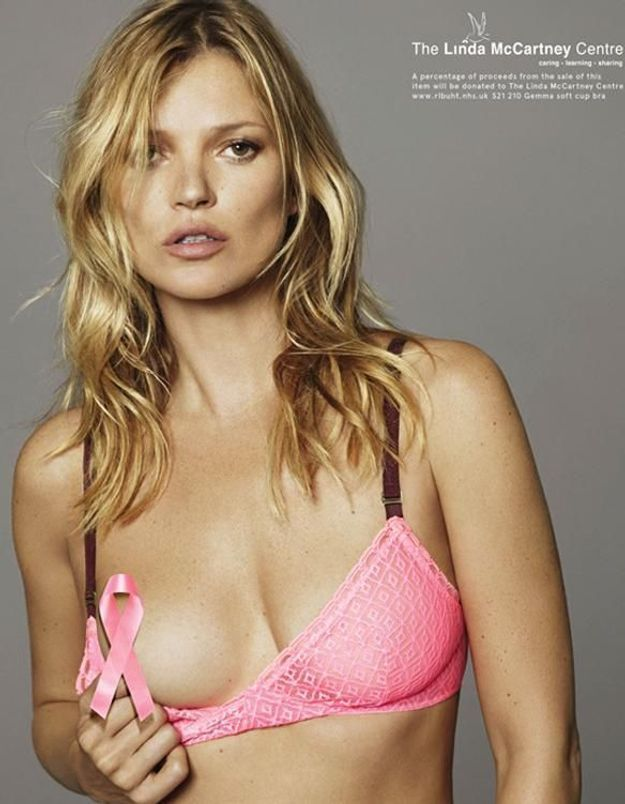 Octobre rose : Kate Moss topless contre le cancer du sein