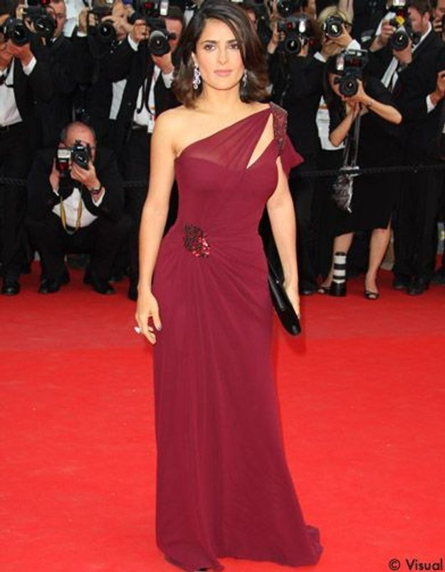 Salma Hayek fait don d'une robe Gucci pour Haïti