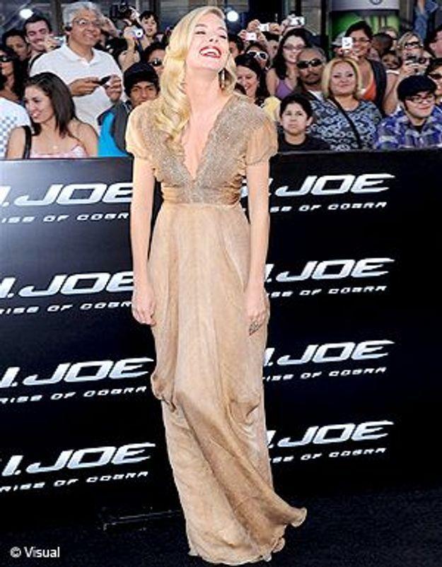 Sienna Miller joue les blondes hitchcockiennes !