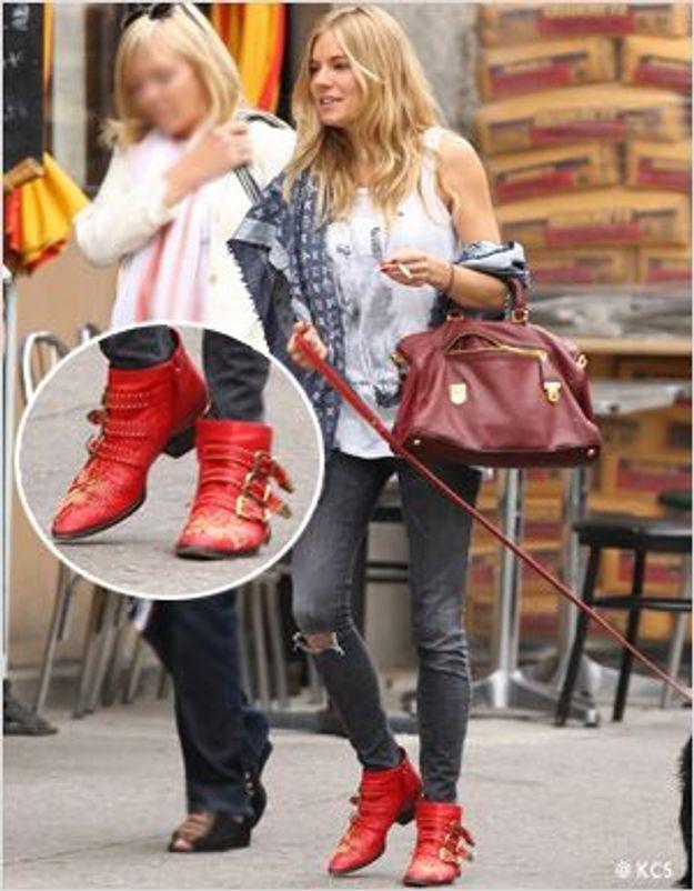 Sienna Miller ressort ses mythiques boots Chloé
