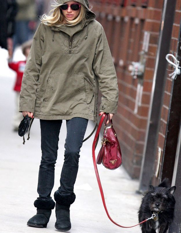 Sienna Miller ressort ses vieux basiques