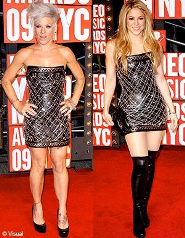 Tapis rouge : Shakira et Pink portent la même robe !