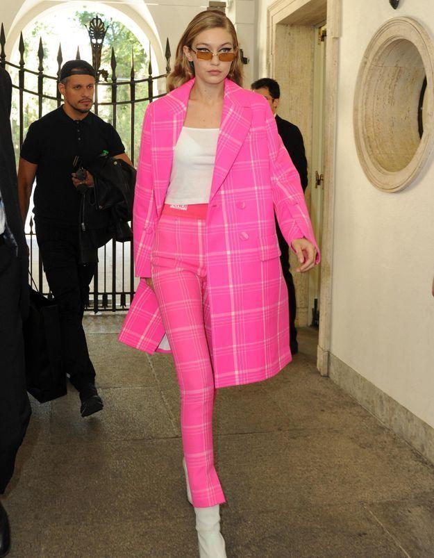 Gigi Hadid prouve que le rose est LA couleur de la saison