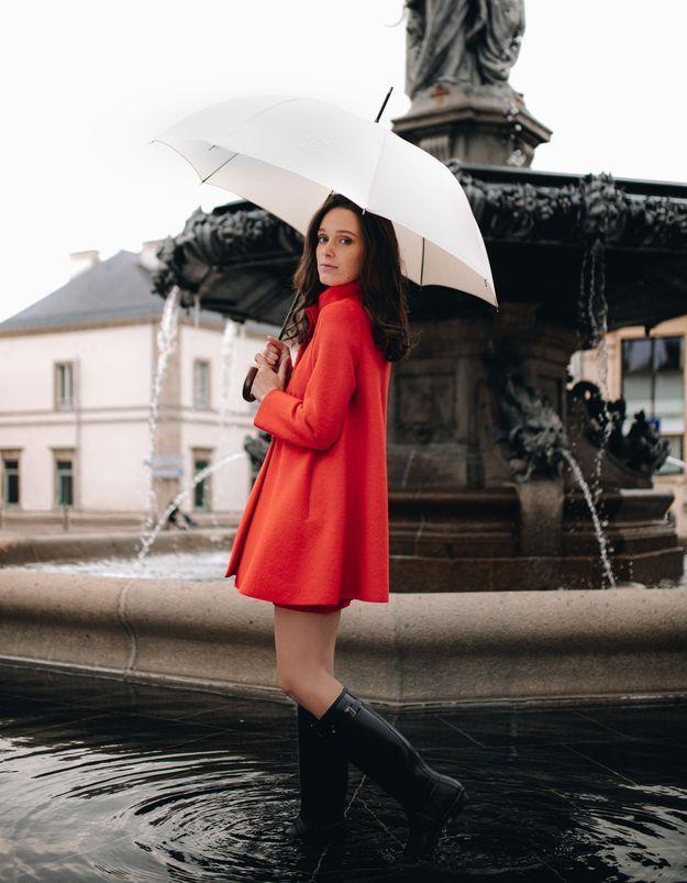 It-pièce : Le Parapluie de Cherbourg, le sommet du chic à l'automne