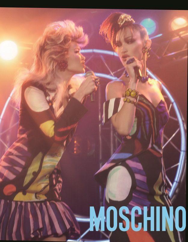 L'Instant Mode : Gigi et Bella Hadid, rockeuses glamour pour Moschino