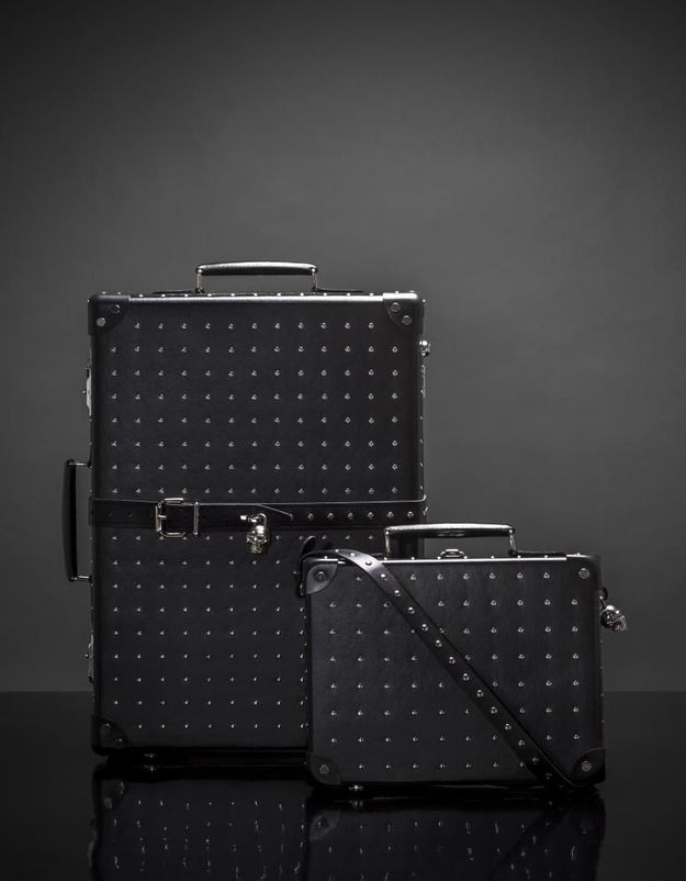 L'instant mode : les valises têtes de mort d'Alexander McQueen