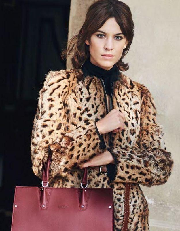 Longchamp présente son sac Paris Premier avec Alexa Chung