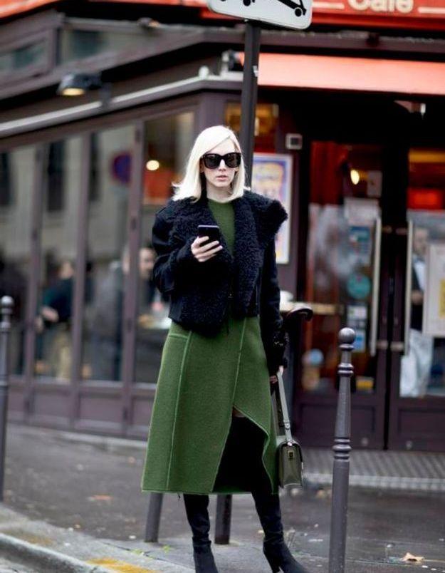 Un total look en laine feutrée et des bottes en daim