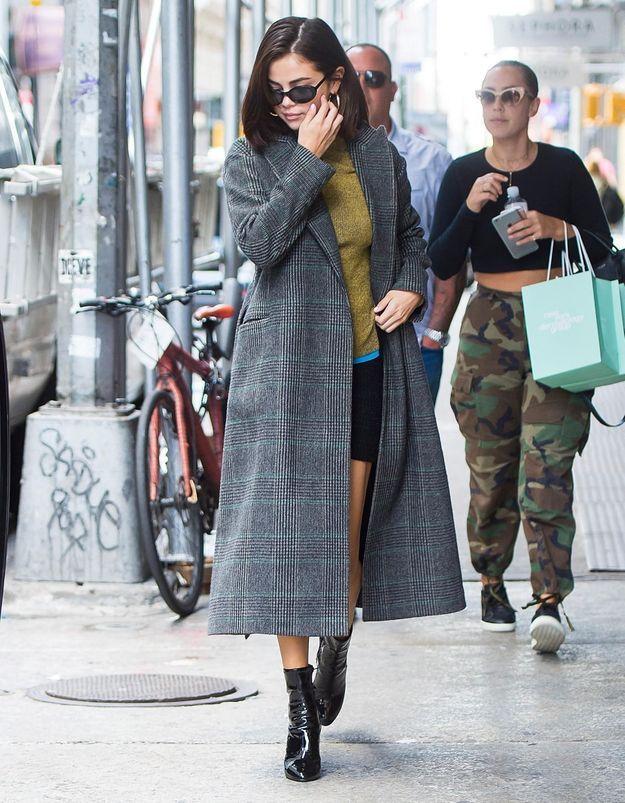 On peut s'offrir le manteau de Selena Gomez pour moins de 70 €