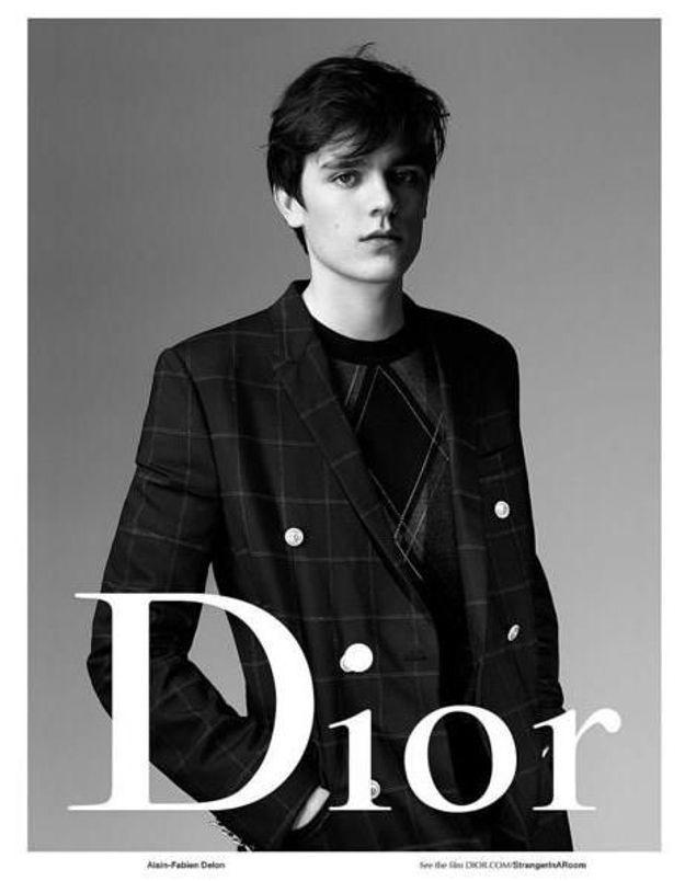 #PrêtàLiker : Alain-Fabien Delon marche sur les traces de son père en posant pour Dior
