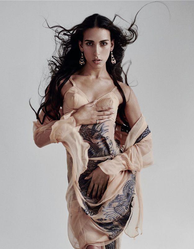 Raya Martigny, mannequin qui brise les codes :  « ma vie est politique »
