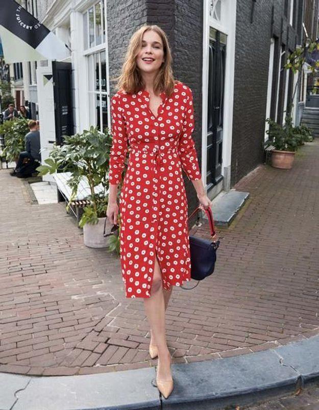 Voici la robe qui va vous rendre stylée (et sexy) cet été