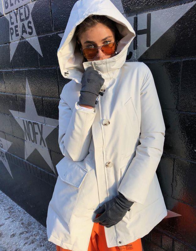 Le secret de Taylor Hill pour avoir du style même par grand froid