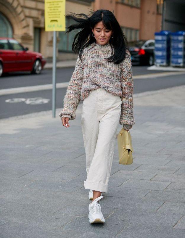 Porter une maille avec un jean blanc