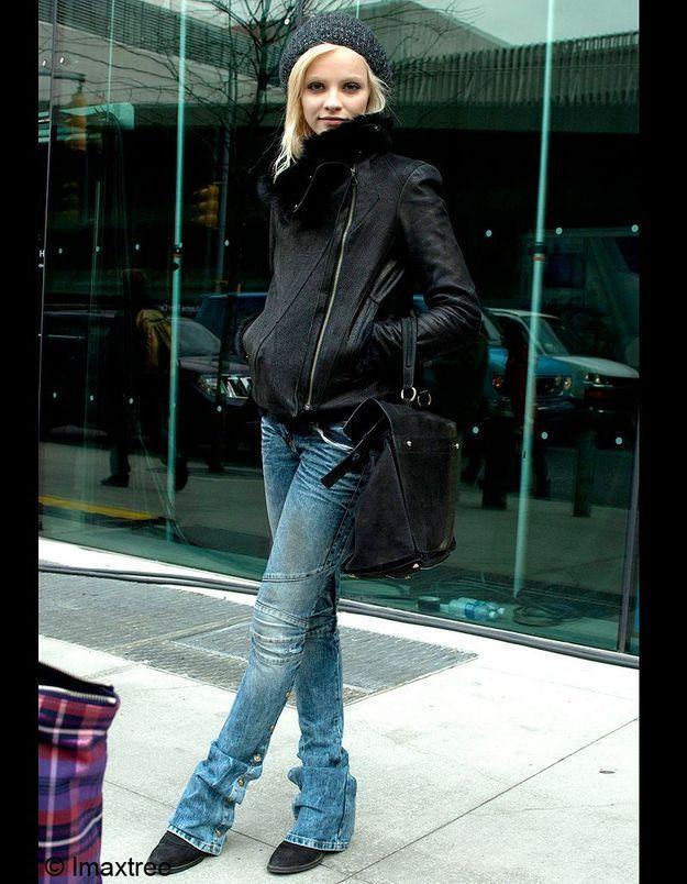 16bonnet Noir Mannequin Jean