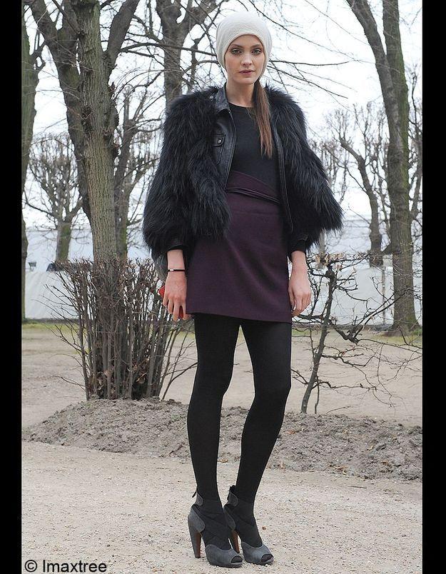 20bonnet Blanc Robe Fourrure Noire