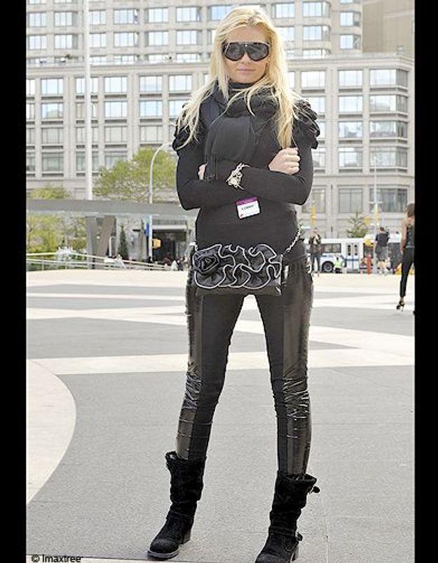 19mode defiles New York street style taotal look noir