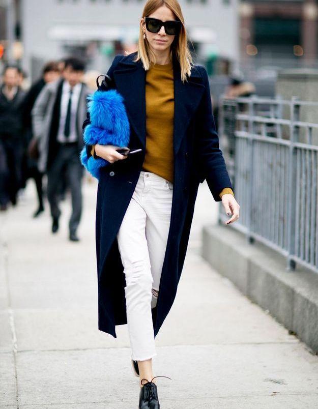 Look less is more avec une pochette bleue