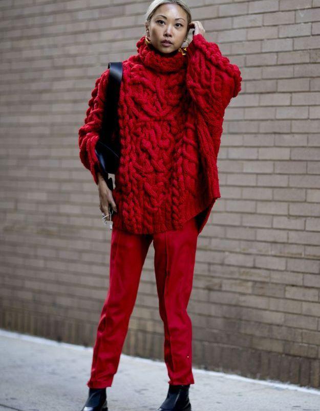 En total look rouge, tu brilleras