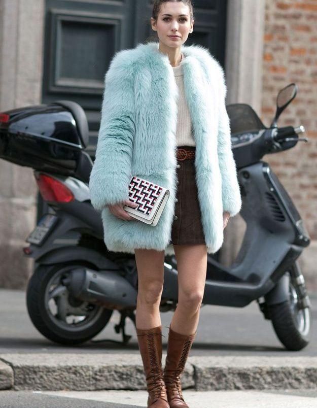 Look d'hiver avec bottes à lacets