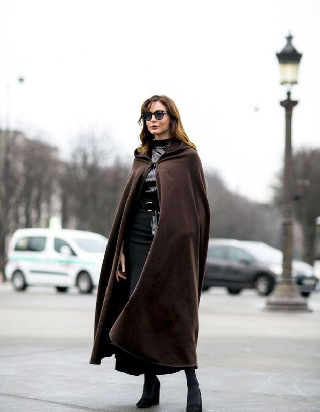 Look d'hiver en cape longue