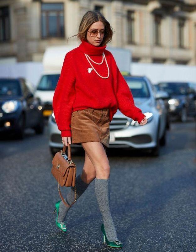 Une maille colorée et des grandes chaussettes câlines pour se réchauffer
