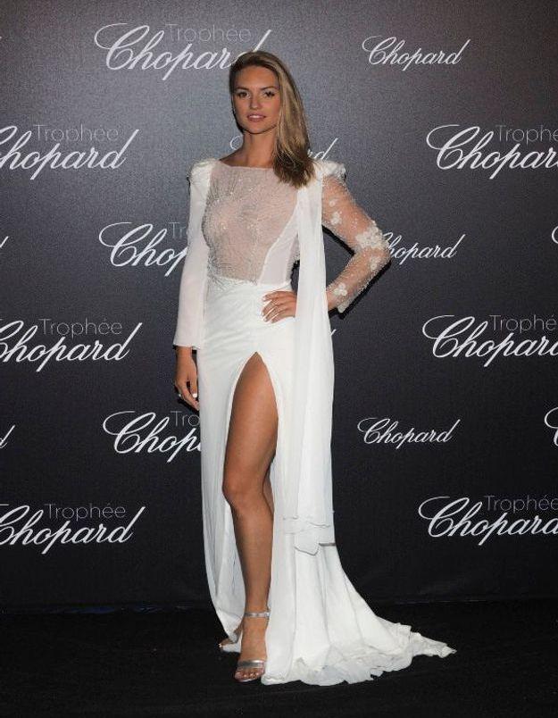 Fancy Alexandersson en robe transparente