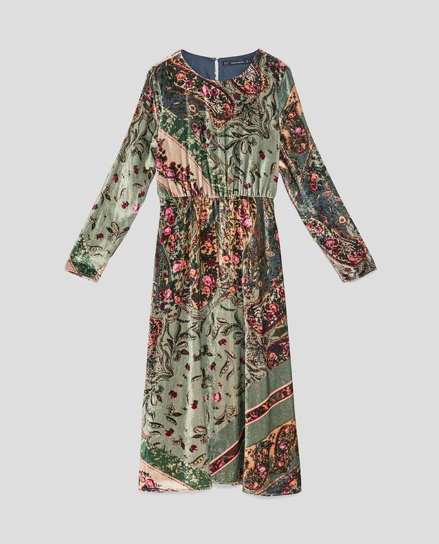 Robe en velours imprimé Zara